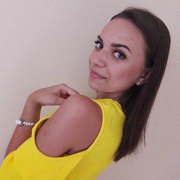 Adriána Šugárová